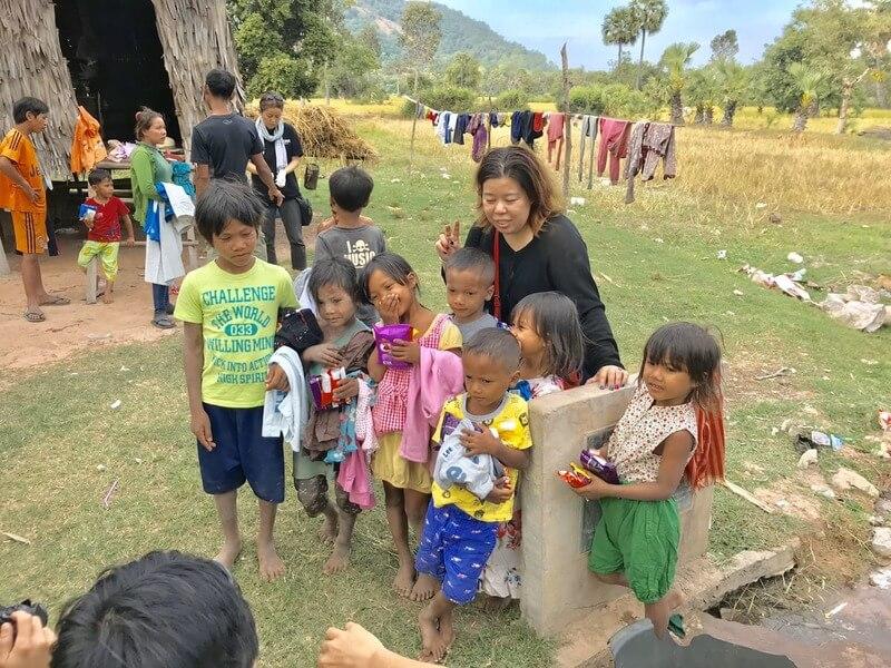 カンボジア滞在記、子供たちにプレゼント
